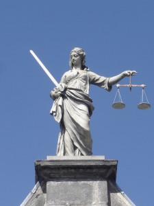 justitie-statuia-dublin