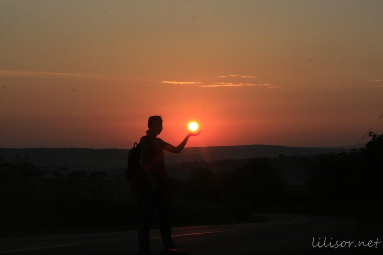 ariadna tinand soarele in palma