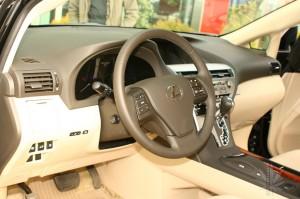 Lexus RX 450H volan