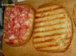 paine prajita cu usturoi
