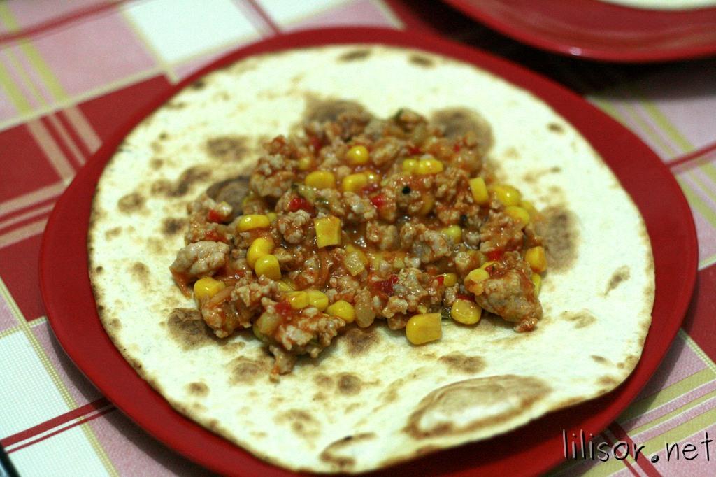 tortilla cu carne de curcan