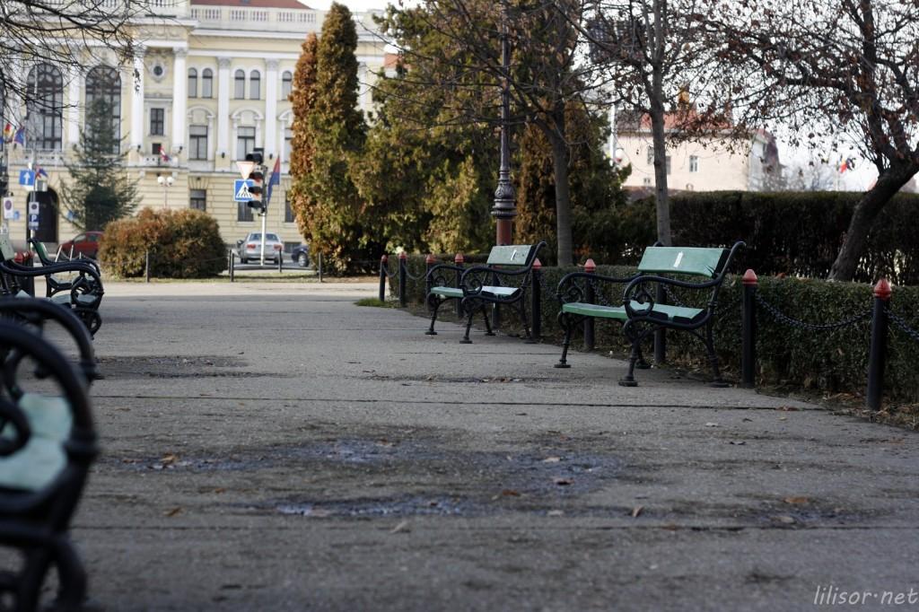 banci cu mesaje anti Basescu