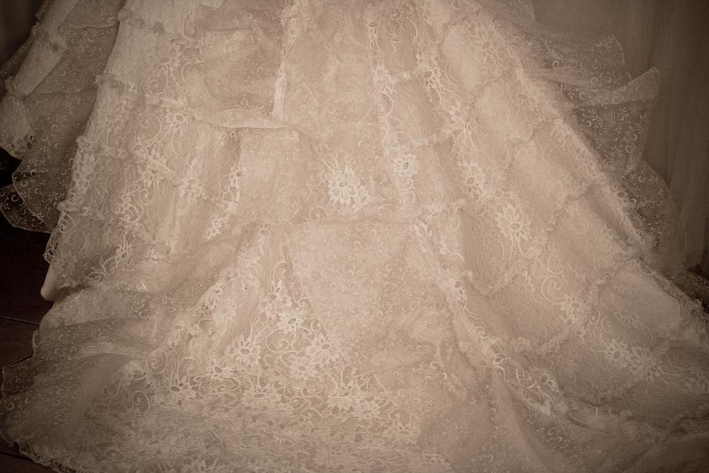 trena rochie mireasa tip spaniol
