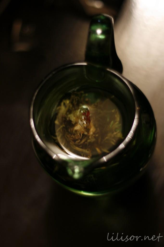bulb de ceai in apa