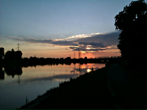 HDR cu Oradea, malul Crişului
