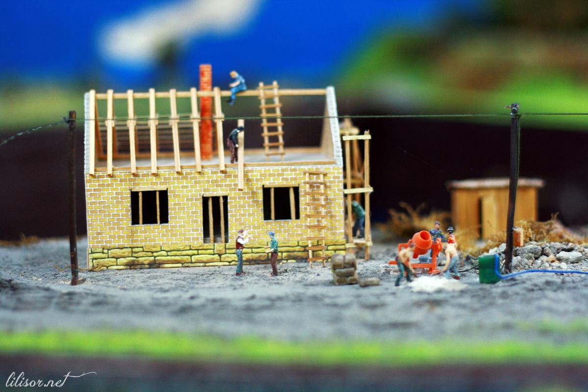 constructia unei case miniatura